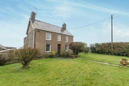 4 Bedrooms Detached House for sale in Llangwnadl, Pwllheli, Gwynedd, LL53