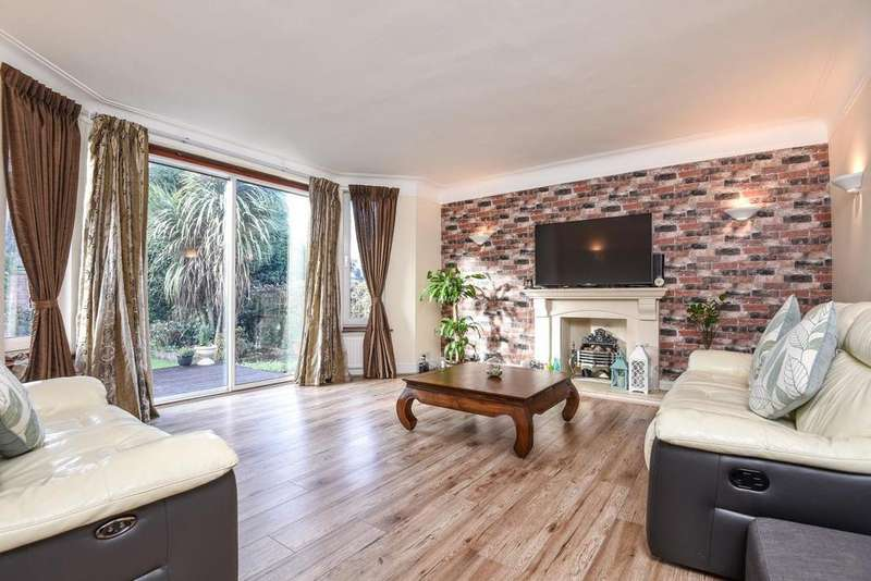2 Bedrooms Flat for sale in Princes Way, Southfields