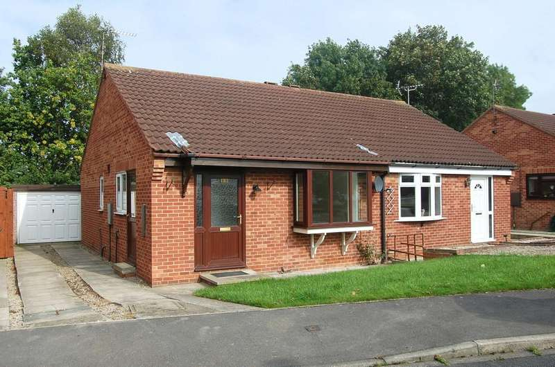2 Bedrooms Semi Detached Bungalow for sale in Scholla View, Northallerton