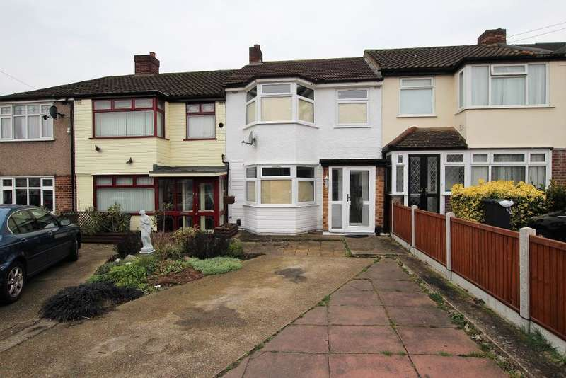 3 Bedrooms Terraced House for rent in Eastbrooke Drive, Rush Green, RM7 0YT