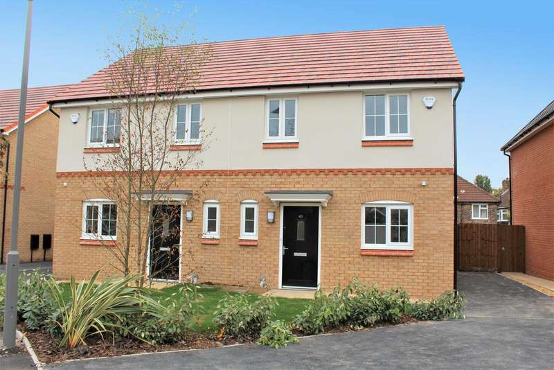 3 Bedrooms Semi Detached House for rent in Trafalgar Street, Rochdale OL16