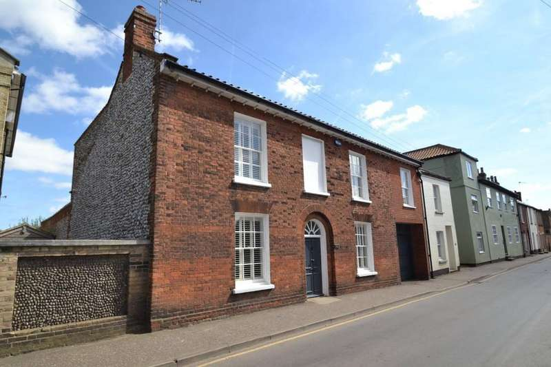 4 Bedrooms Town House for rent in Holt