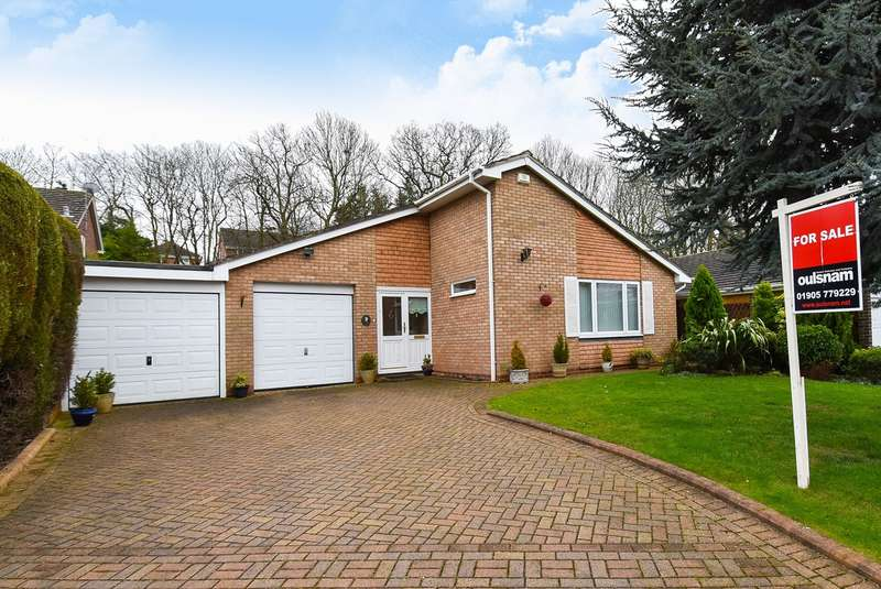 3 Bedrooms Bungalow for sale in Clydesdale Road, Droitwich, WR9
