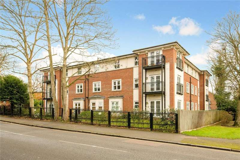 2 Bedrooms Flat for sale in Dell Court, 8 Green Lane, Northwood, Middlesex, HA6