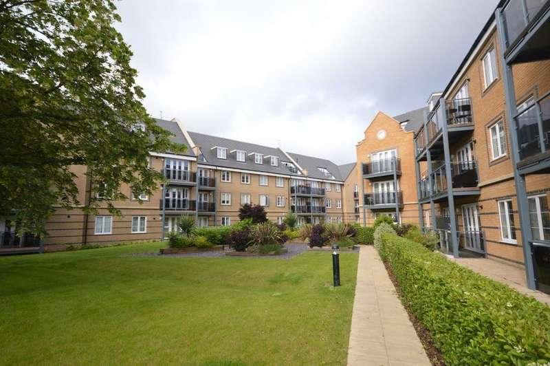 2 Bedrooms Flat for rent in Constables Way, Hertford