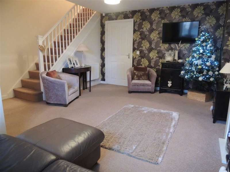 3 Bedrooms Mews House for sale in Newbold Close, Dukinfield