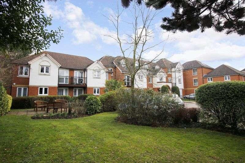 1 Bedroom Property for sale in Mead Court, Addlestone, KT15 2PR