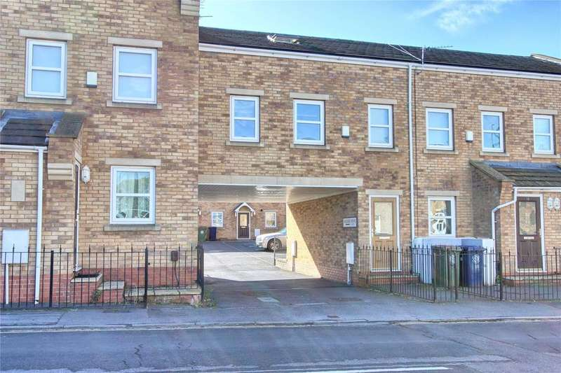 3 Bedrooms Flat for sale in High Street, Lazenby