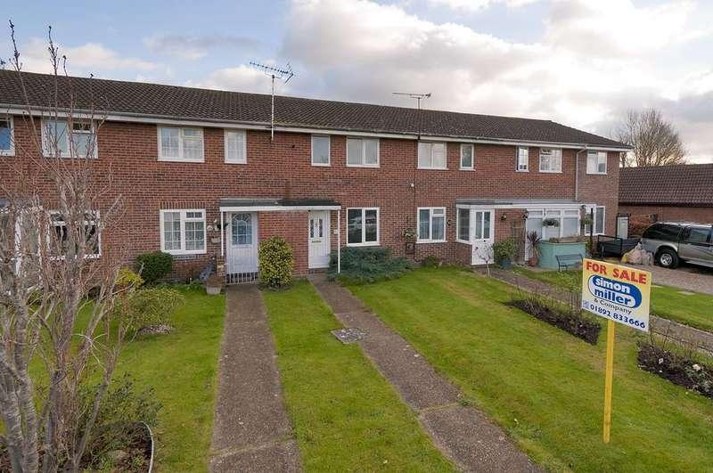 2 Bedrooms Terraced House for sale in Lucks Way, Marden