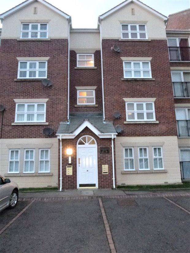 2 Bedrooms Flat for sale in ALEXANDRA HOUSE, ROYAL COURTS, SUNDERLAND SOUTH