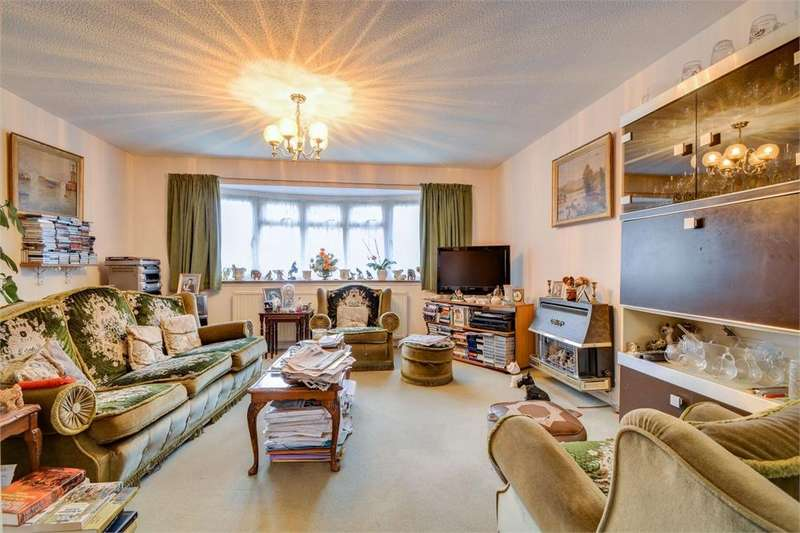 4 Bedrooms Detached House for sale in Argyle Close, Whitehill, Bordon, Hampshire