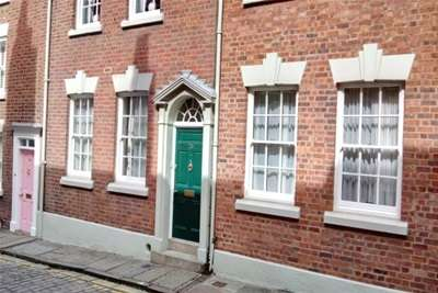 5 Bedrooms Property for rent in King Street, Chester