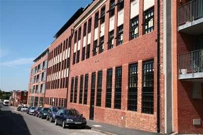 2 Bedrooms Flat for rent in Wexler Lofts, Birmingham