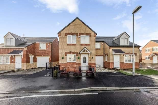 3 Bedrooms Semi Detached House for sale in Dormand Court, Wingate, Durham, TS28 5HJ