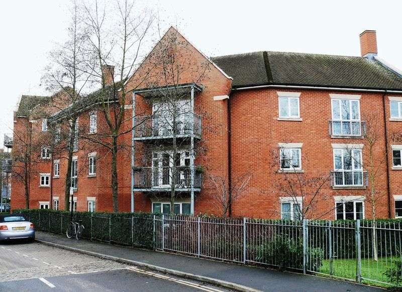 2 Bedrooms Property for sale in William Lucy Way, Oxford