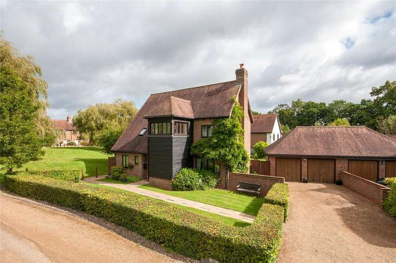 4 Bedrooms House for sale in Millfields Crescent, Charlwood, Horley, Surrey, RH6
