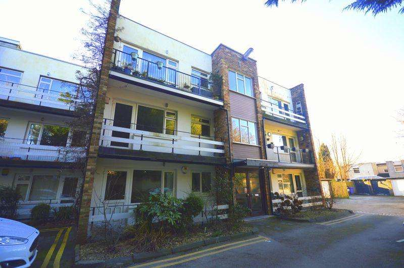 2 Bedrooms Apartment Flat for sale in Beech Court, Calderstones