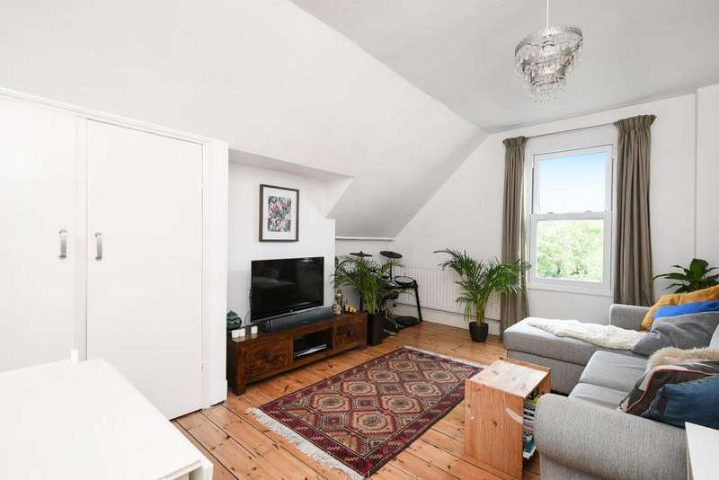1 Bedroom Flat for sale in Halesworth Road, Lewisham