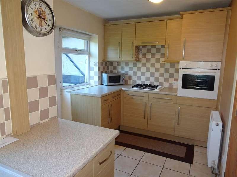 3 Bedrooms Semi Detached House for sale in 45 Renway Road, Broom Valley, Rotherham, S60 3EU