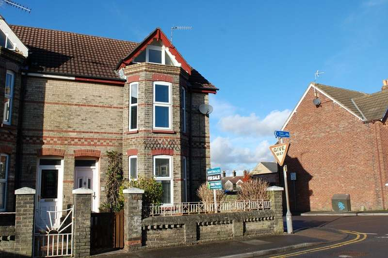3 Bedrooms Property for sale in St Marys Road, Heckford Park BH15