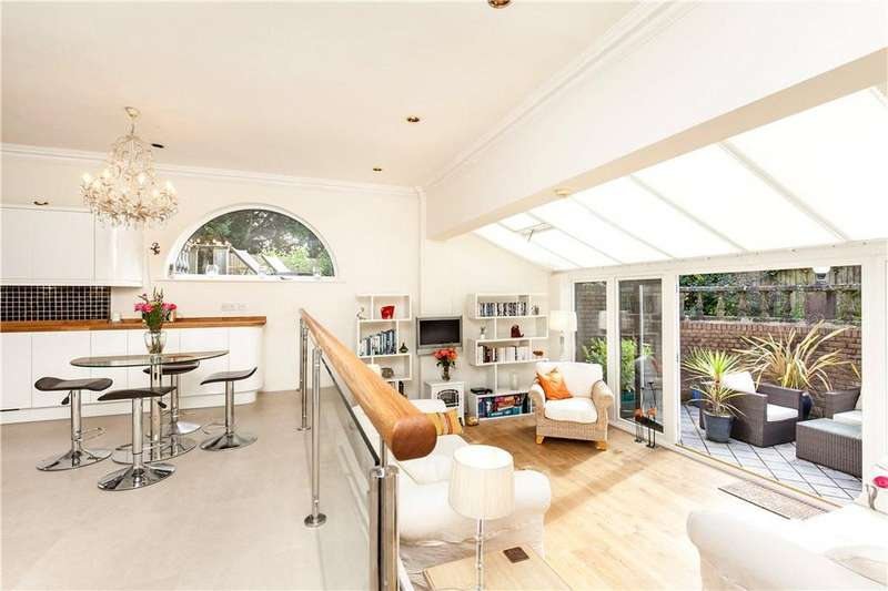 4 Bedrooms Detached House for sale in Clifton Hill, Winchester, Hampshire, SO22