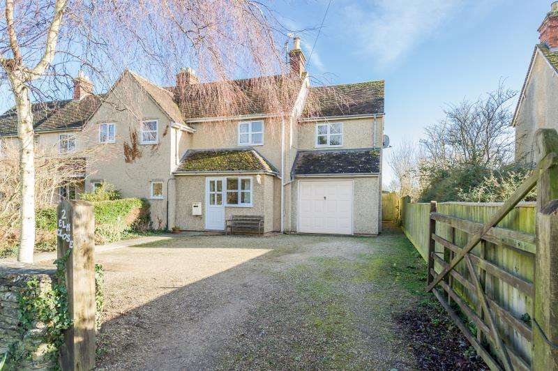 4 Bedrooms Semi Detached House for sale in Elm Close, Black Bourton, Bampton, Oxfordshire