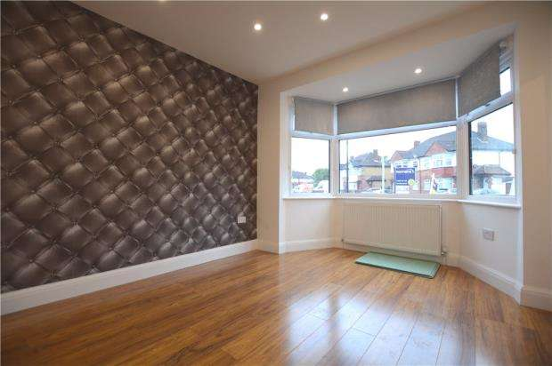3 Bedrooms Apartment Flat for sale in Barnard Gardens, Hayes