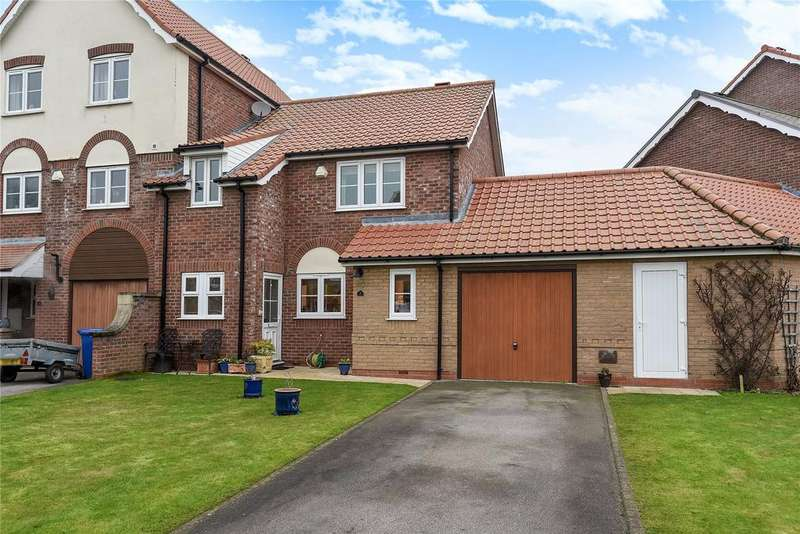 3 Bedrooms Terraced House for sale in Bridge Walk, Burton Waters, LN1
