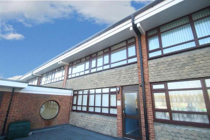 2 Bedrooms Flat for sale in The Street, Rustington