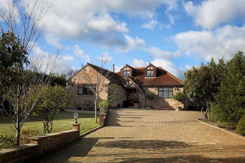 5 Bedrooms Detached House for sale in Intake Lane, Woolley