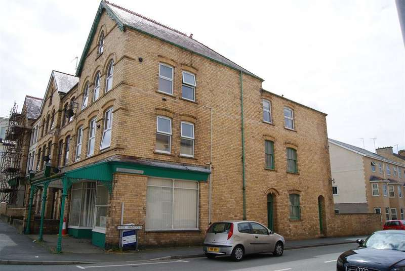 1 Bedroom Flat for rent in Cardiff Road, Pwlheli