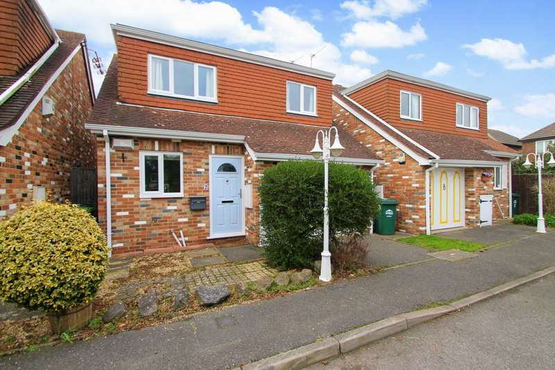 3 Bedrooms Detached House for sale in Worcester Drive, Ashford, TW15