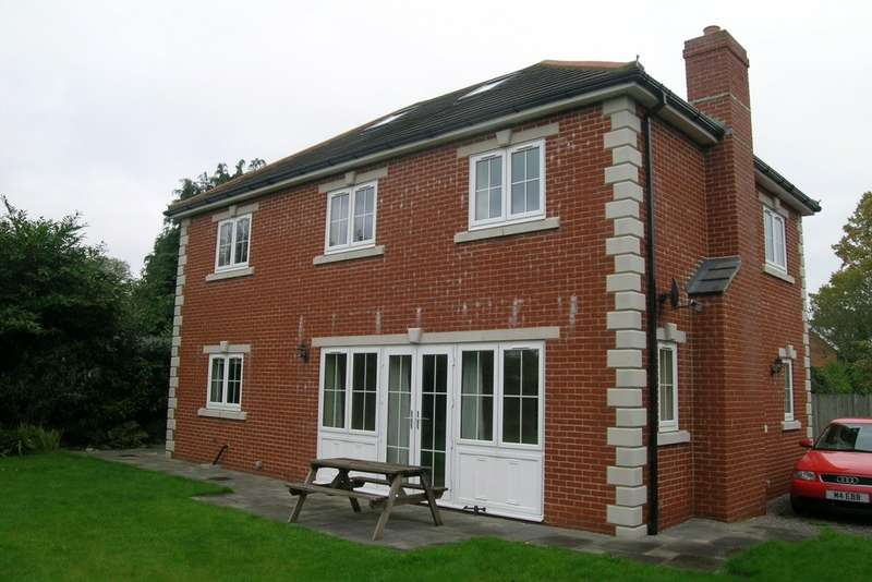 5 Bedrooms Detached House for rent in Horton Heath