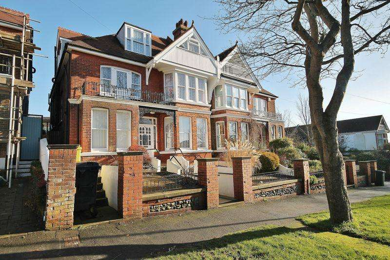 12 Bedrooms Semi Detached House for sale in Surrenden Road, Brighton, East Sussex,