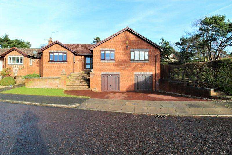 4 Bedrooms Bungalow for sale in Pipers End, Lower Heswall