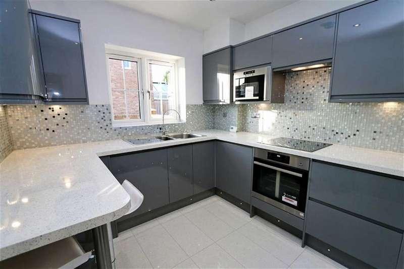 2 Bedrooms Detached House for sale in Lyndhurst Road, Bexleyheath, Kent, DA7