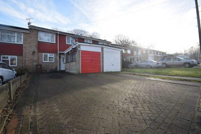 3 Bedrooms Terraced House for sale in Ballens Road, Chatham, ME5