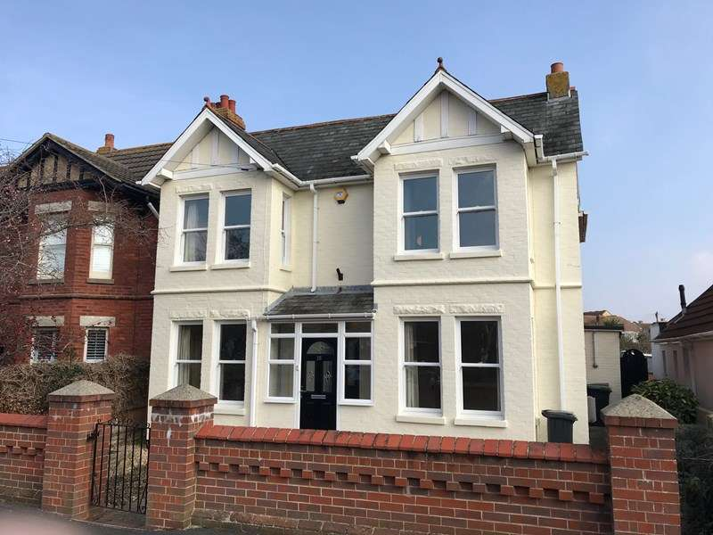 4 Bedrooms Semi Detached House for rent in Cambridge Road, Lee-On-The-Solent