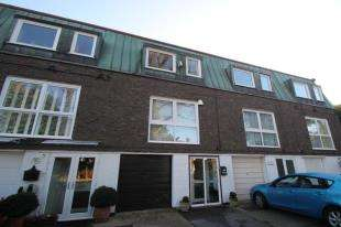 3 Bedrooms House for sale in Violet Lane, Croydon, Surrey