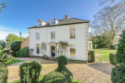 7 Bedrooms Detached House for sale in Cranfield Road, Moulsoe, Newport Pagnell