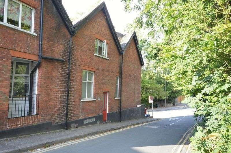 1 Bedroom Property for sale in Longdene Road, Haslemere