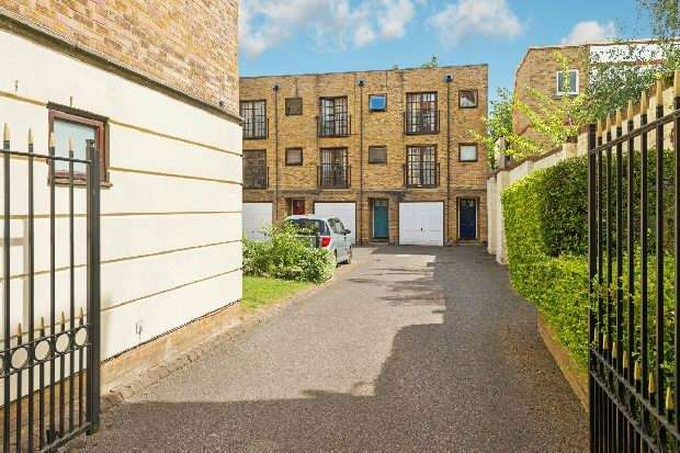 3 Bedrooms Unique Property for sale in Harford Mews, Wedmore Street, Upper Holloway, N19