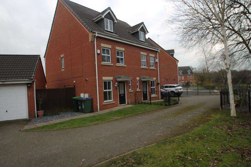 3 Bedrooms Town House for rent in Manson Drive, Cradley Heath, West Midlands, B64