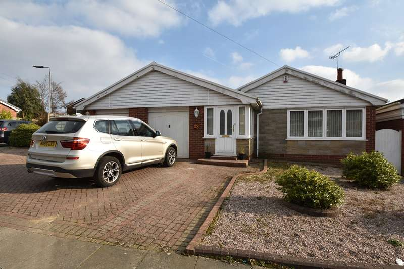 3 Bedrooms Detached Bungalow for sale in Hillsborough Drive, Unsworth, Bury, BL9