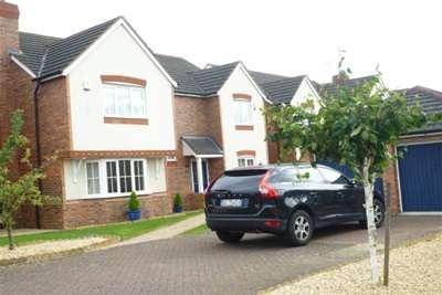 4 Bedrooms Detached House for rent in Miranda Drive