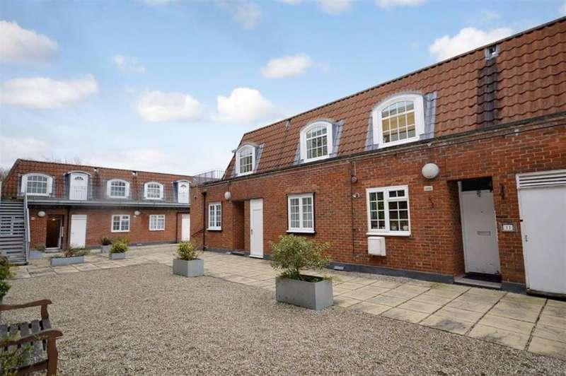 2 Bedrooms Flat for rent in Longcroft House, Welwyn Garden City