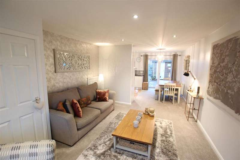 3 Bedrooms Detached House for sale in Chichester Walk, Darlington