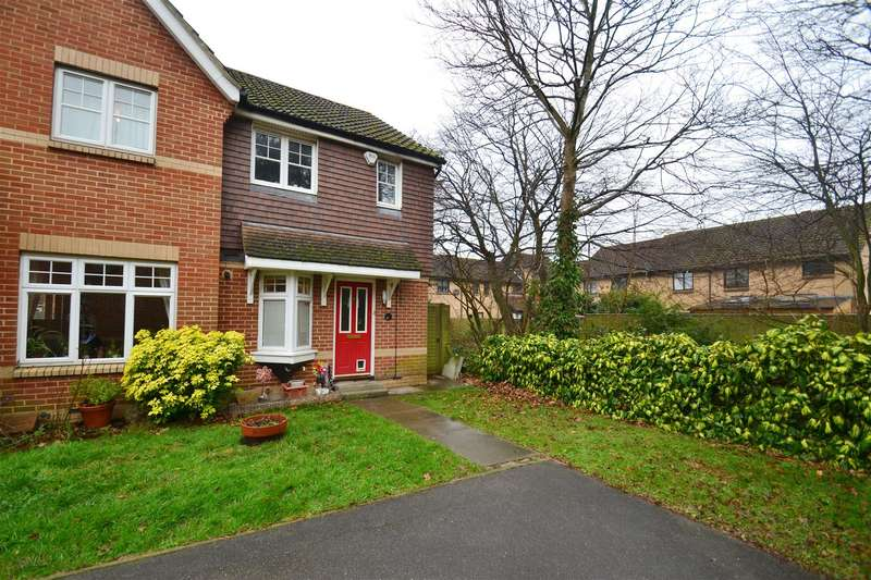 2 Bedrooms Semi Detached House for sale in Cloverfields, Horley
