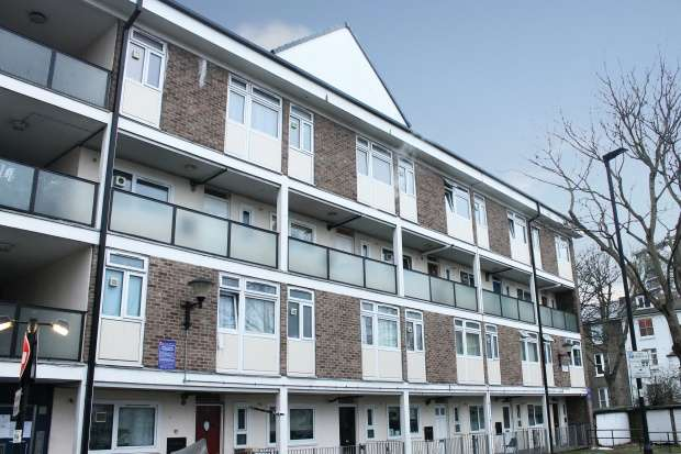 3 Bedrooms Maisonette Flat for sale in St. James's Crescent, Stockwell, Greater London, SW9 7JA