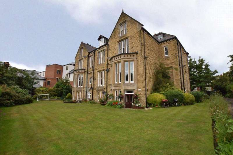 2 Bedrooms Apartment Flat for sale in Flat 1, Kirkstall Lane, Leeds, West Yorkshire